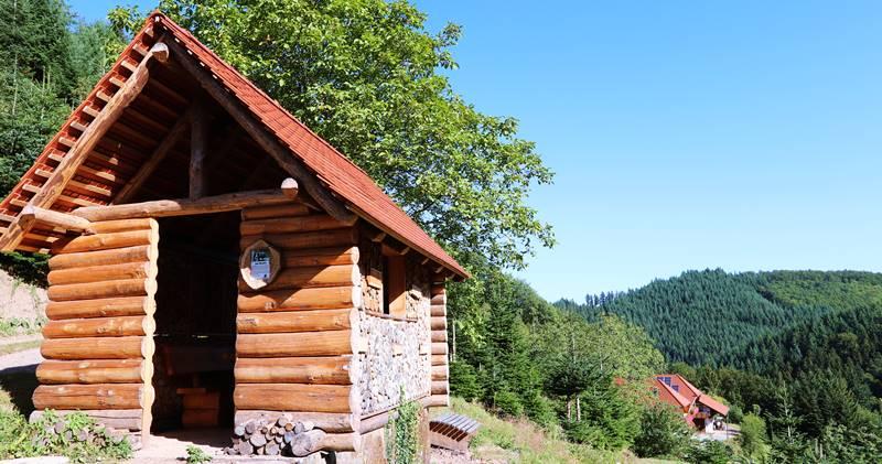 Blockhütte am Gebirger Höfe Weg in Durbach