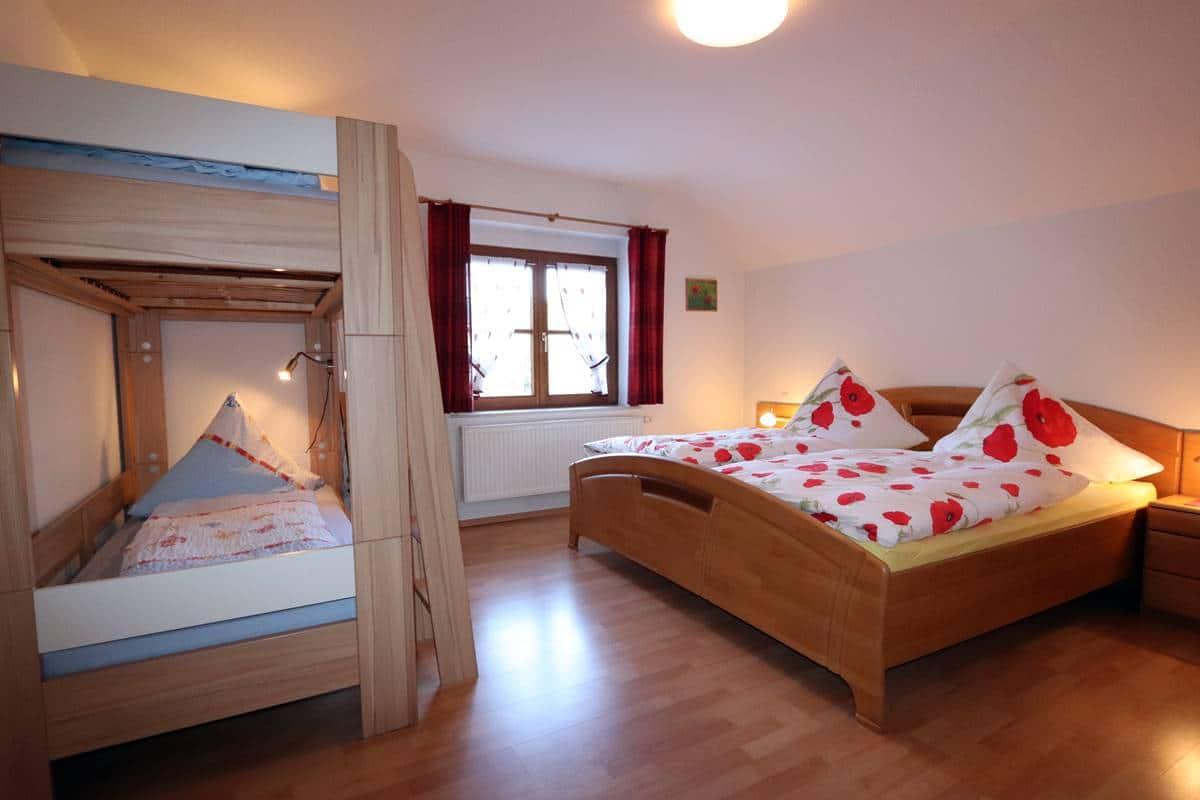 Schlafzimmer 1 Ferienwohnung Halterhof